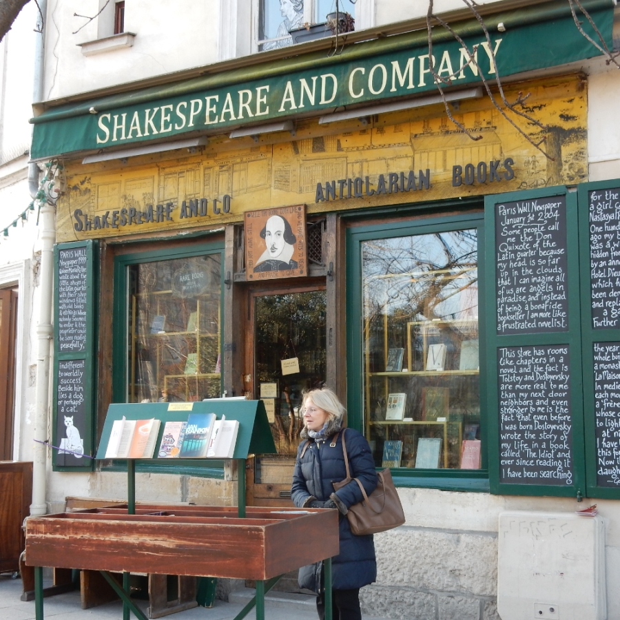 Thumb Shakespeare and Company.JPG